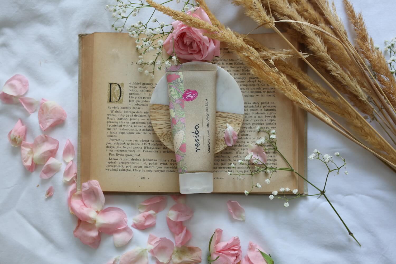 multifunkcyjny peeling do twarzy resibo relaks z książką i płatkami kwiatów